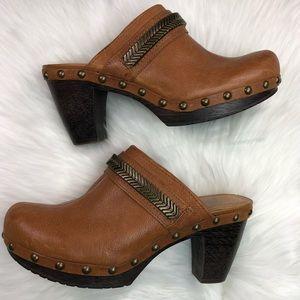 GIANNI BINI Women's Brown Leather Clogs Size 8